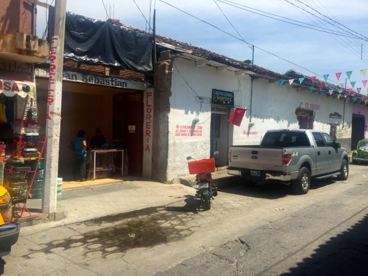Chiapa de Cazo, nearest town